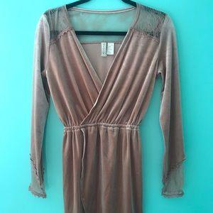 H&M dusty pink dress velvet